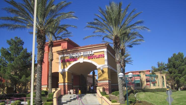 Desert Hills Outlet Mall Palm Springs