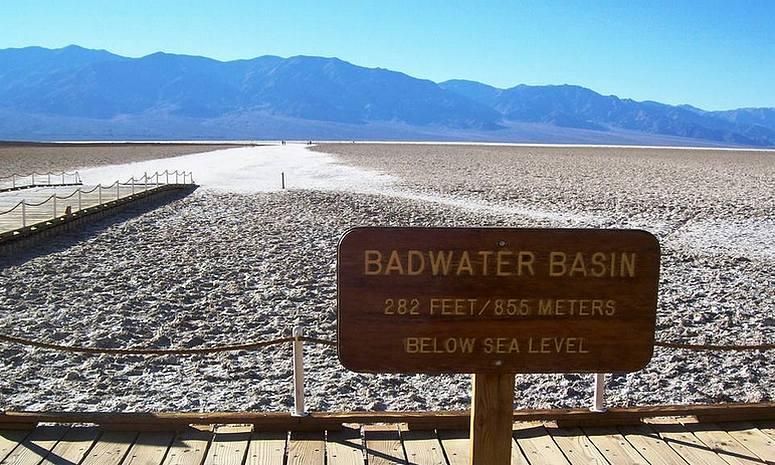 Badwater Salt Flats Death Valley Park