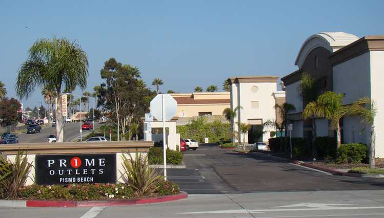 Pismo Beach Outlet Mall