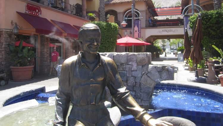 Sonny Bono Statue Mercado Plaza