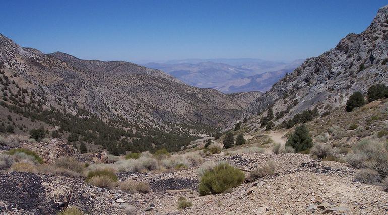 Road to Cerro Gordo Ghost Town