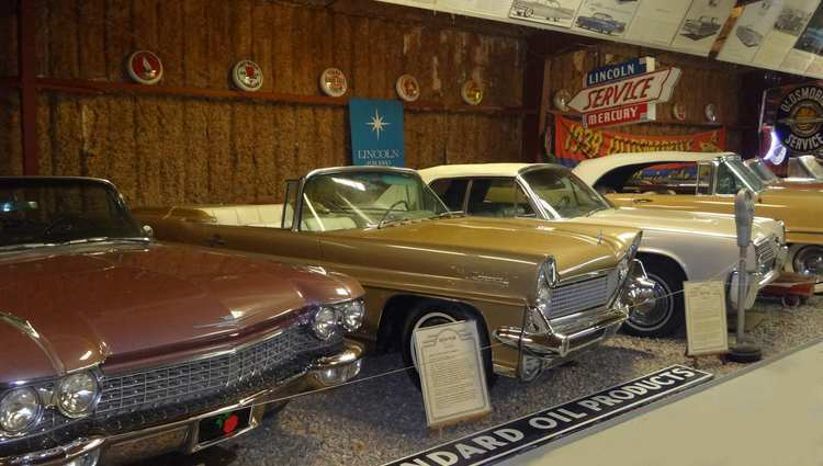 Deer Park Winery and Auto Museum