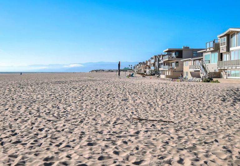 Hollywood Beach Oxnard California