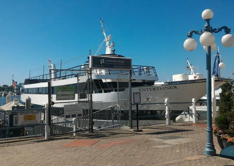 Hornblower Cruises Entertainer