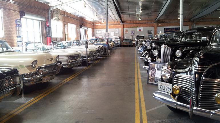 Automobile Driving Museum Vintage Cars