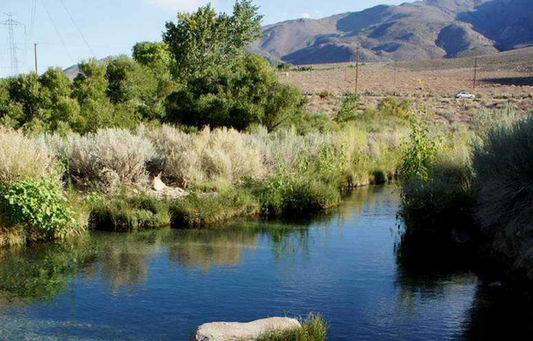 Keough hot ditch mineral pool