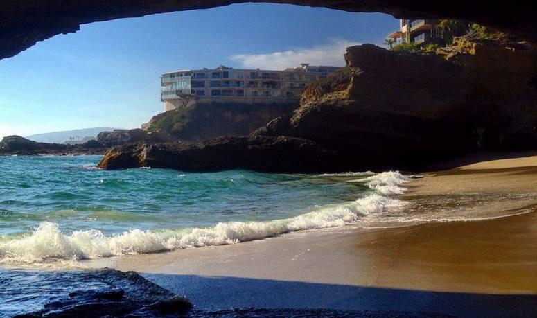 Caves 1000 Steps Beach