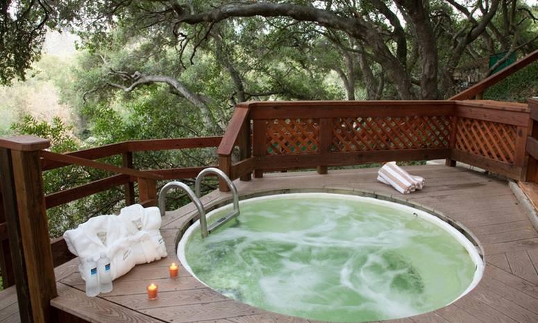 Sycamore Springs hillside hot tub