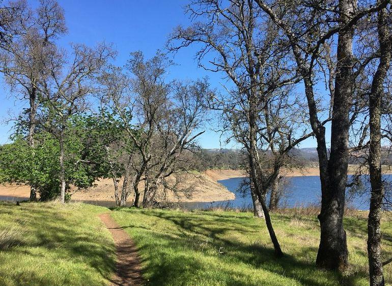 Folsom Lake Hiking Trail