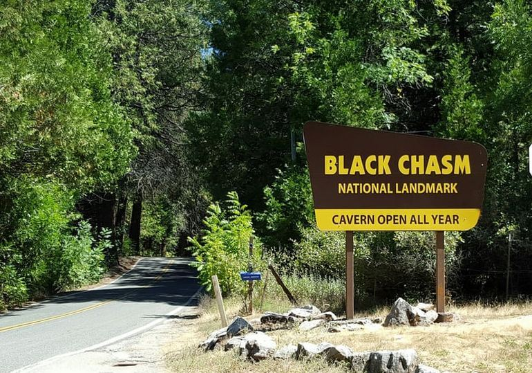 Getting To Black Chasm Cavern