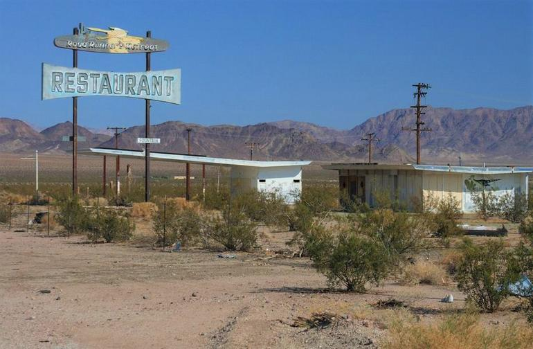 Road Runner's Retreat Cafe Ruins Route 66