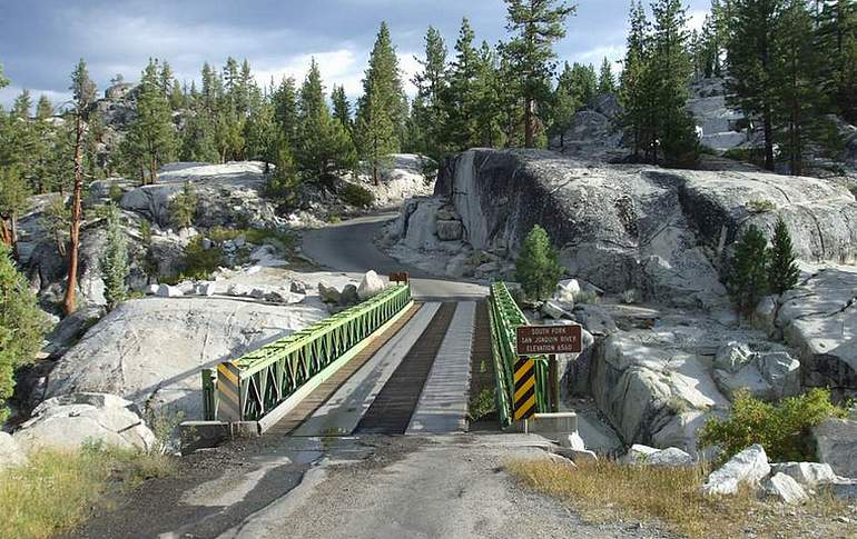 Kaiser Pass Road One Way Bridge