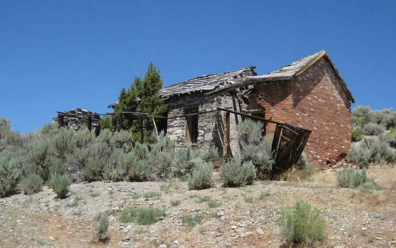 Belmont Ghost Town abandoned building