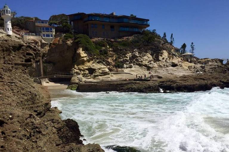 1000 Steps Beach Hidden Saltwater Pools