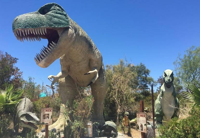 California Roadside Attractions