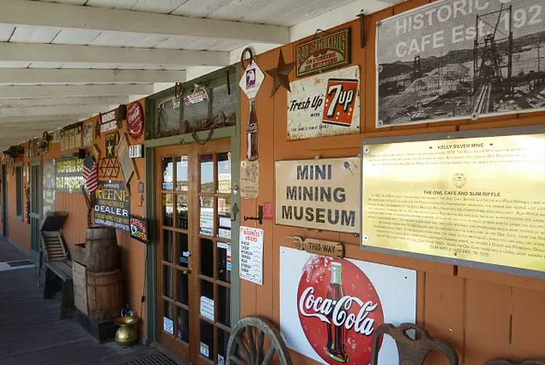 Historic Owl Cafe Red Mountain California