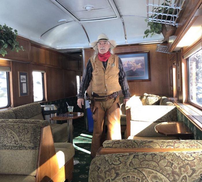 Train Entertainer Cowboy Robber